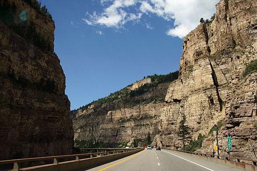 512px-Glenwood_Canyon_I-70